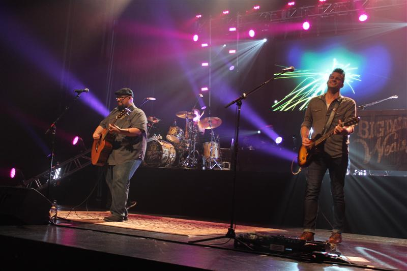 Concert - Big Daddy Weave (125)