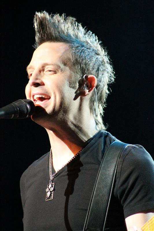 Lincoln Brewster (16)