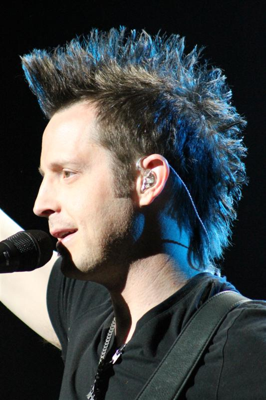 Lincoln Brewster (51)
