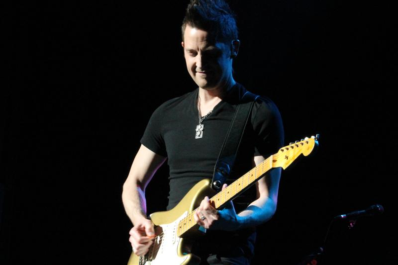 Lincoln Brewster (41)