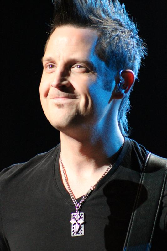 Lincoln Brewster (61)