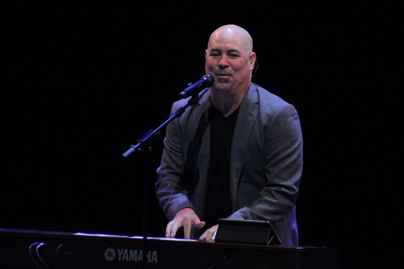 Mark_Schultz_20th_Concert_(124)