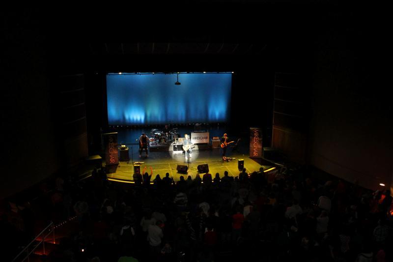MIKESCHAIR Concert (6)