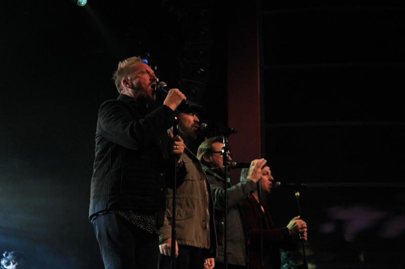 Christmas_Tour_(400)