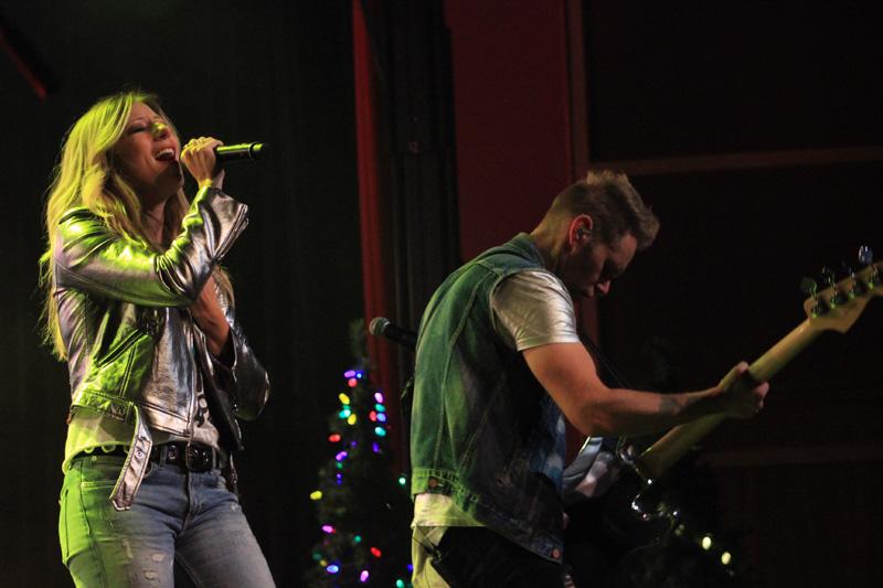 Christmas_Tour_(727)