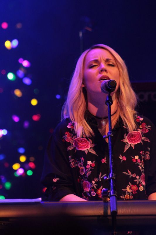 Very_Merry_Christmas_Tour_2017_(43)
