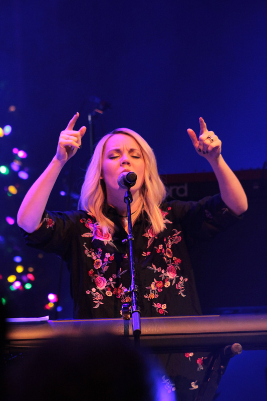Very_Merry_Christmas_Tour_2017_(46)